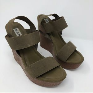 "Steve Madden ""Stina"" Green Wedge Sandals Size 8"